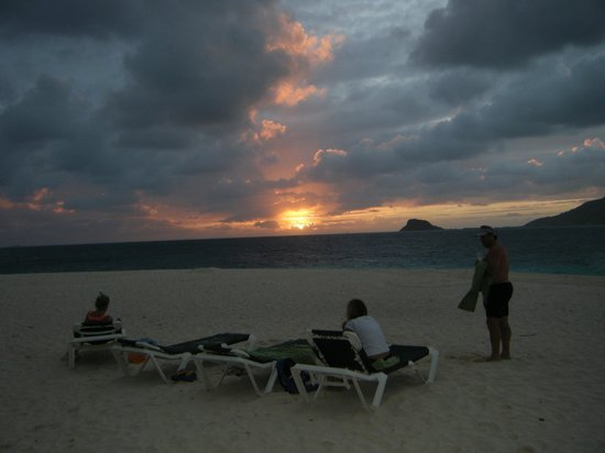 Palm Island Resort & Spa: Casuarina Beach - Sunset