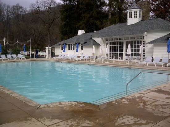 The Omni Homestead Resort : one of the outdoor pools, nicely heated even and open even on the coldest days