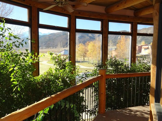 Chipeta Solar Springs Resort & Spa: Looking out from 2nd floor in Lodge