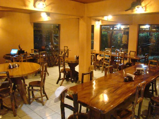 Monteverde Rustic Lodge: Dining