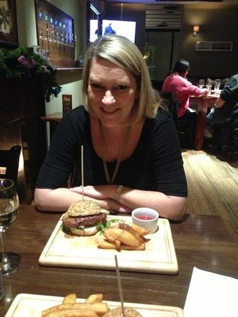 The Lazy Fox: stuffed after this wonderful burger!
