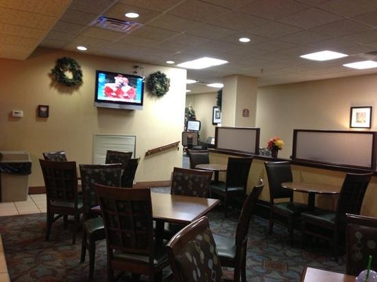 Comfort Inn Downtown: breakfast area