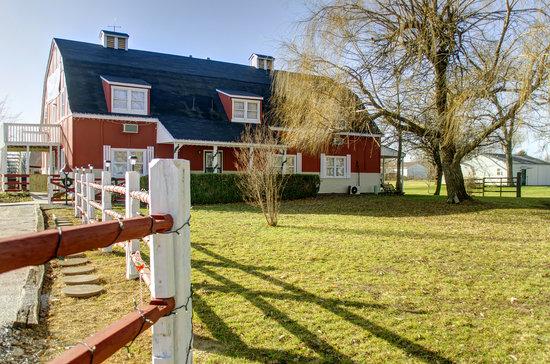 The Red Willow Inn: getlstd_property_photo