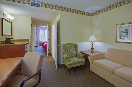 Country Inn & Suites By Carlson, Port Canaveral: Two Queen Bed Suite