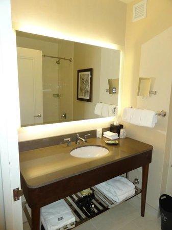 เดอะนิวยอร์ก เฮมสเลย์: Bathroom