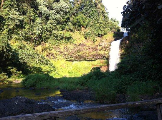Baan E-Tu Waterfall Resort : E–Tu waterfall