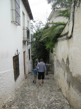 Cuevas El Abanico: walking the hill paths