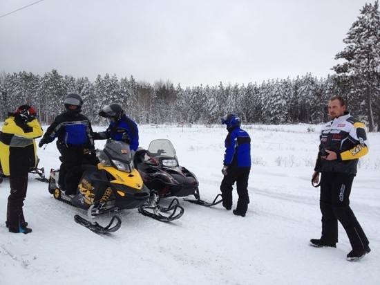 Benjamin's Beaver Creek Resort : full service snowmobiling!