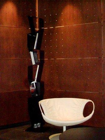 The Hub Hotel: Hotel Lounge