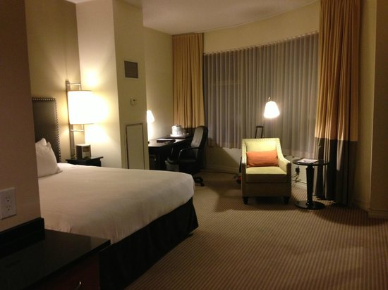 One King West Hotel & Residence: room