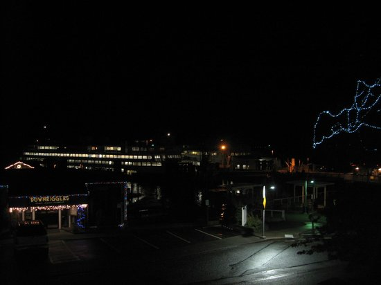 The Island Inn at 123 West: Night View from Sweet 2