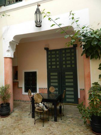 Dar Ihssane: Ground floor courtyard - charming