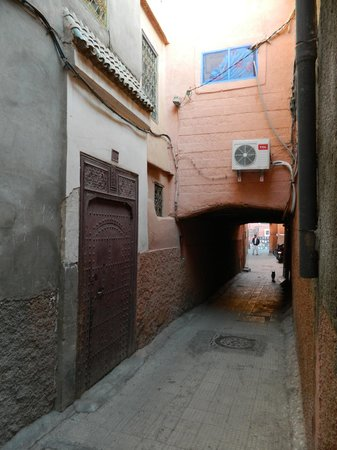 Dar Ihssane: Front door of the Riad