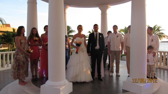 Barcelo Maya Tropical: wedding!