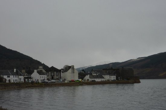 Loch Fyne Hotel & Spa: View of Inveraray from hotel
