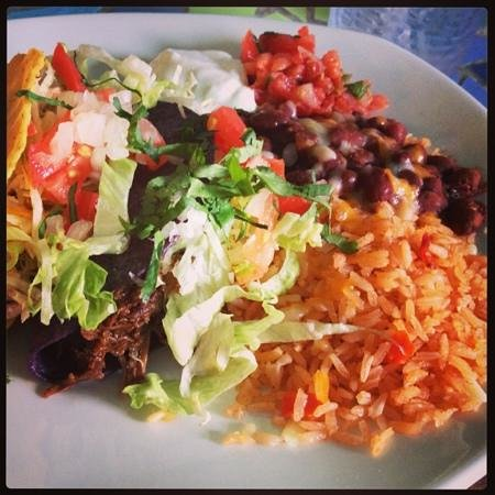 Agave Grill: taco plate!