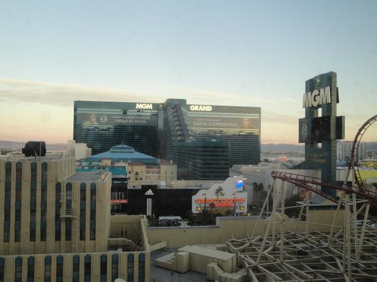 New York - New York Hotel and Casino: Our room view