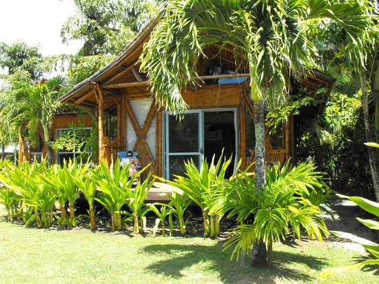 Magic Reef Bungalows: cute island style bungalows
