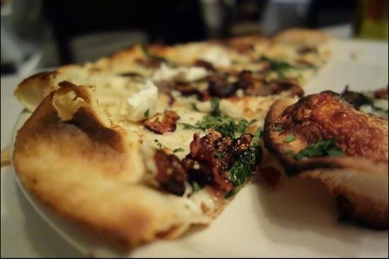 Timo: fig goat cheese pizza