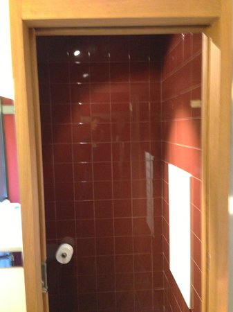 Casa Camper Hotel Barcelona: The shower.