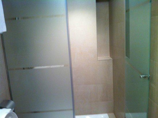 MH Apartments Center: MH APARTEMENTS CENTER DECEMBRE 2012