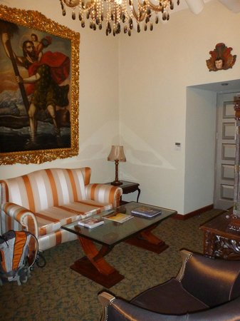 Aranwa Cusco Boutique Hotel: Sitting room in suite