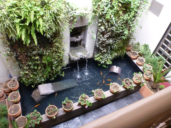 Aranwa Cusco Boutique Hotel: Interior water feature