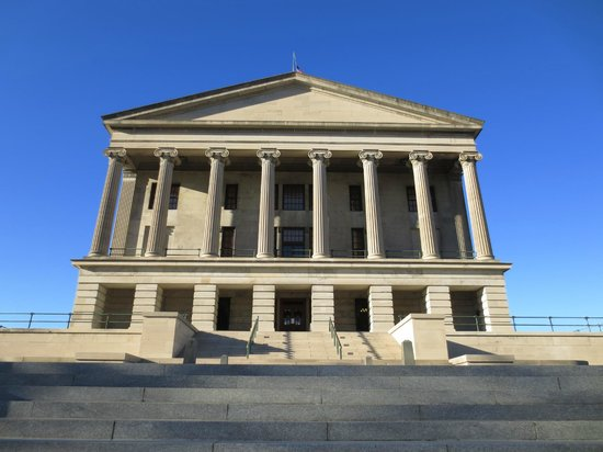 Nashville Tennessee With Kids ; TN State Capitol