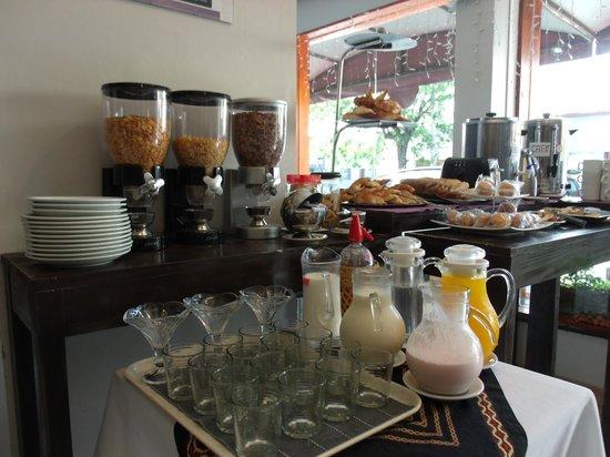 Hotel Iris: desayuno