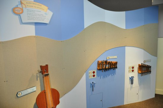 Kohl Children's Museum: one of the music walls