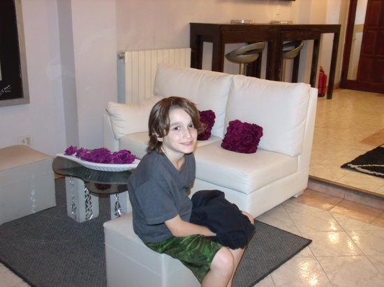 Hotel Iris: Lobby