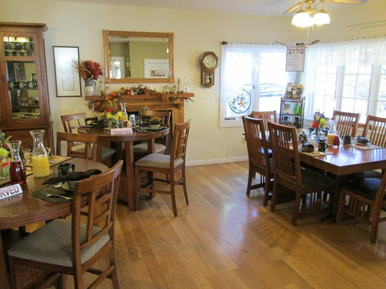 Prescott Pines Inn Bed and Breakfast: Dining room