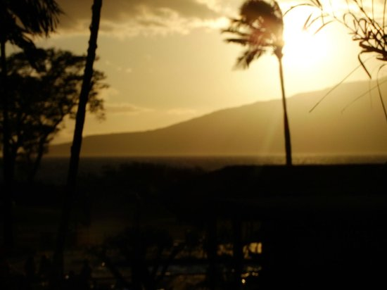 Luana Kai Resort: Sunset