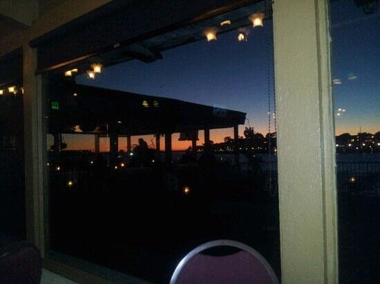 Shanghai Red's : sunset views, patio, ample pours=awesome