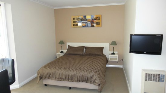 Shearwater Cottages: Bedroom area