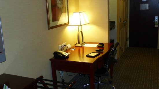 Wingate by Wyndham Manhattan Midtown: Room