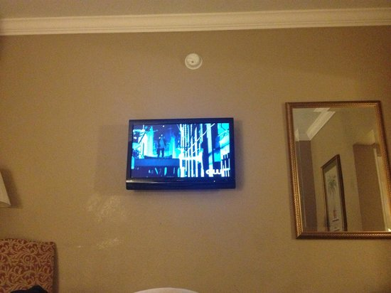 Runway Inn: Picture of tv from laying on the bed.