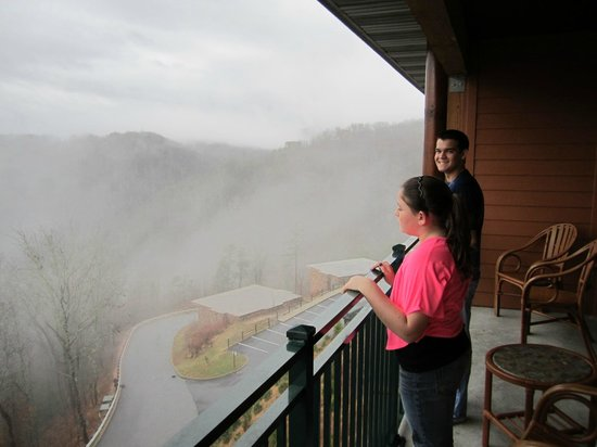Westgate Smoky Mountain Resort & Spa: large private balcony