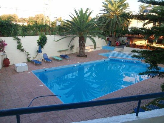 Cretan Sun: Morgon bild från hotellrummet.