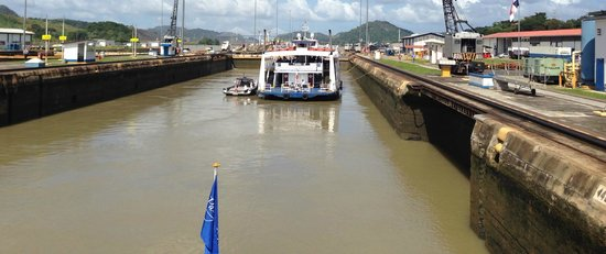 Panama Marine Adventures - Day Tours: Entering the Miraflores Lock (Panama Canal) on the Pacific Queen
