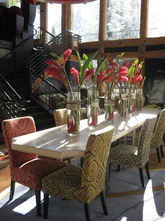 Sky Hotel - a Kimpton Hotel: Is this the Dining table?