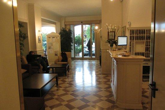 Hotel Metropole Bellagio: Hotel lobby