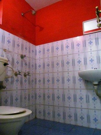 John's Residency: Bathroom