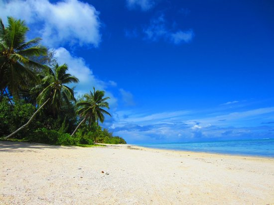 Amuri Sands, Aitutaki: Beach in front of Amuri Sands