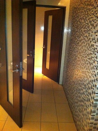 Mi Cocina: Clean bathroom, clean restaurant