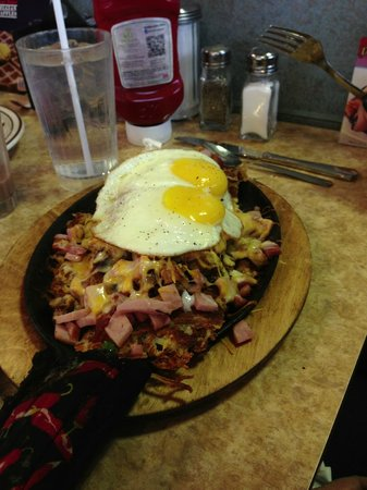 Rudy's Waffle & Pancake House: Meal Skillet