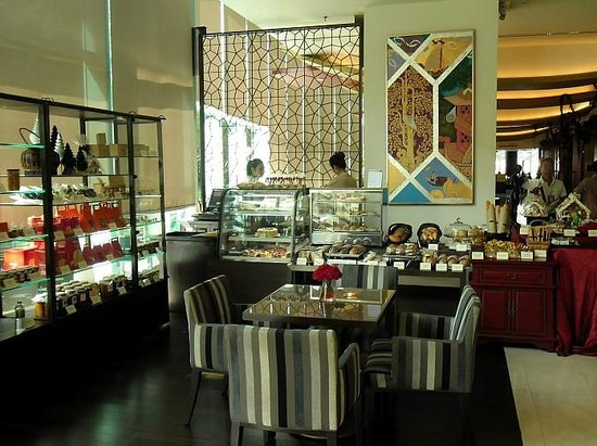 Chatrium Hotel Riverside Bangkok: hotel area