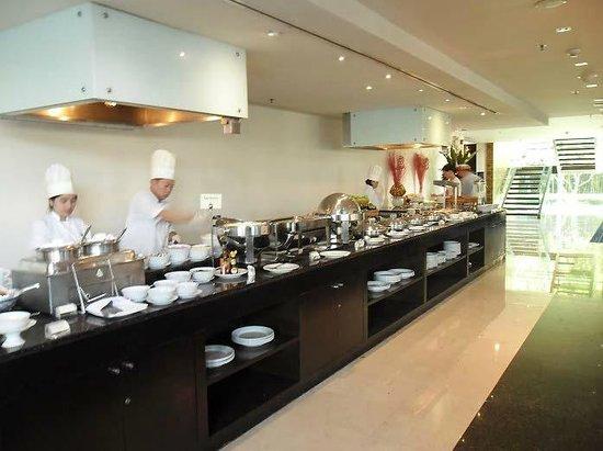 Chatrium Hotel Riverside Bangkok: breakfast buffet