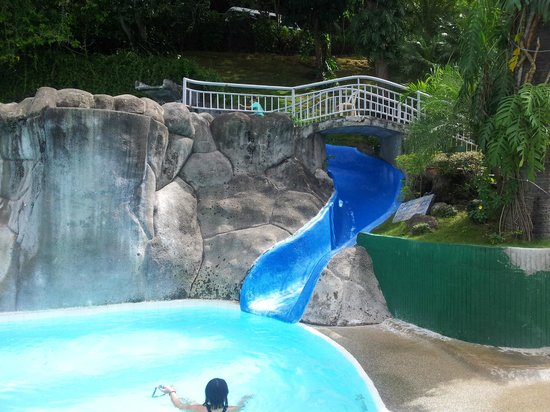 Eagle Point Resort: Main pool with water slide