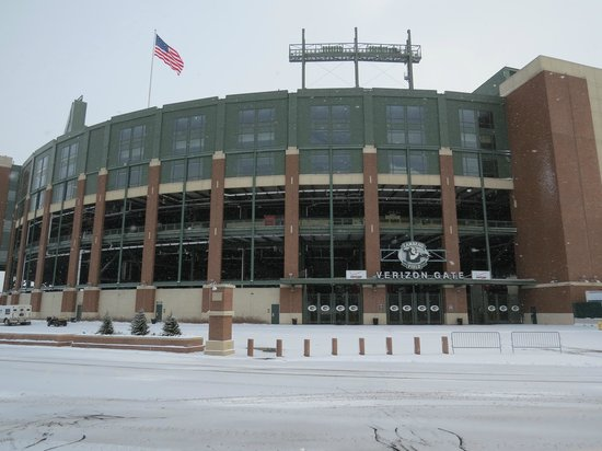 Holiday Inn Green Bay Stadium:                   Snowy Lambeau Field